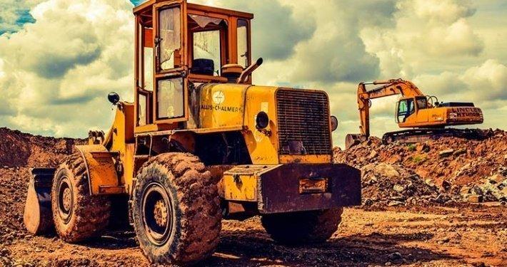 Hauling Heavy Equipment Tennessee vehicle transport company vehicle transport company